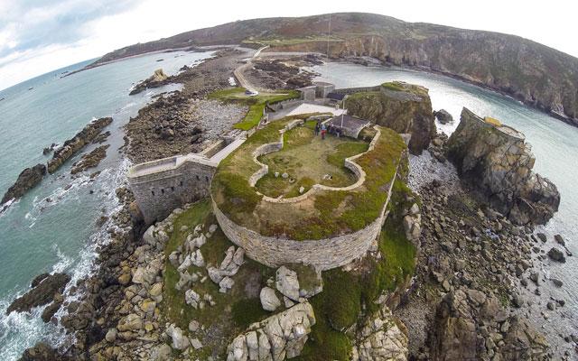 Castle-Cross