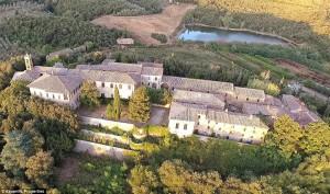 Medieval-tuscan-village